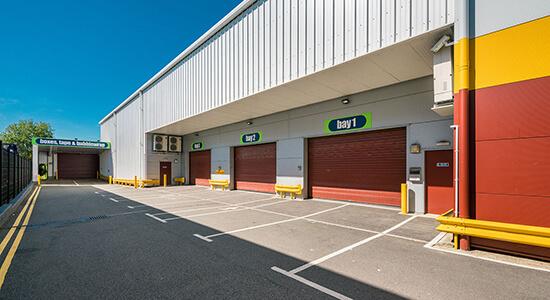 StorageMart Loading Bay - Storage Near Cuxton Road In Maidstone, England