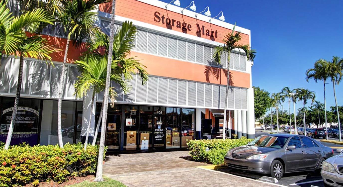 StorageMart - Almacenamiento Cerca De Federal Hwy & Atlantic Blvd En Pompano Beach,Florida