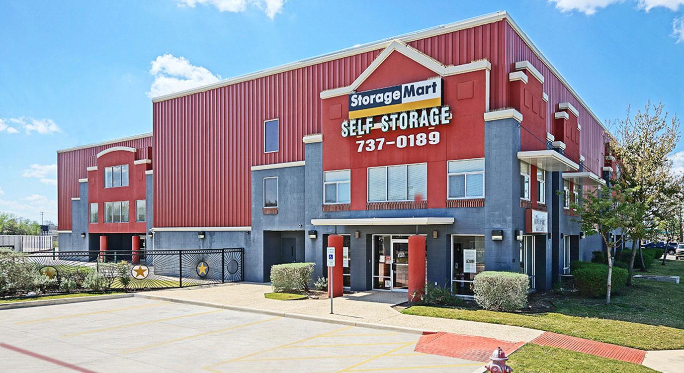 StorageMart - Almacenamiento Cerca De San Pablo & W Olmos En San Antonio,Texas