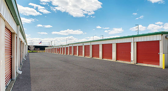 StorageMart Drive Up Self Storage Units Near Butterfield & York In Hillside, IL
