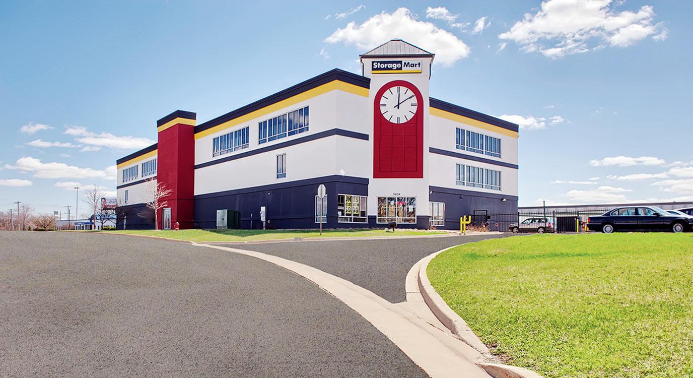 StorageMart - Almacenamiento Cerca De Butterfield & York En Hillside,Illinois