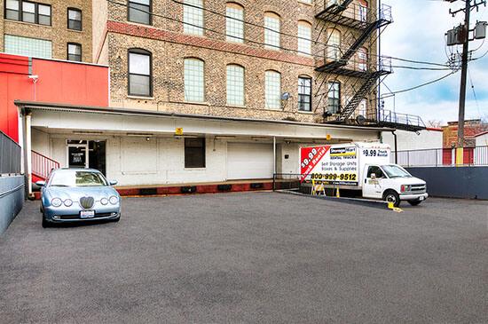 StorageMart Easy Access Self Storage Units In Chicago, IL