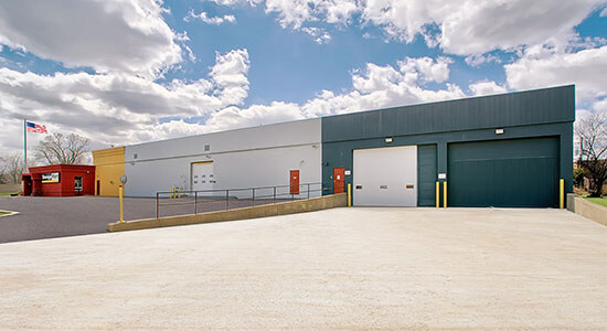 StorageMart Loading Bay - Self Storage Units Near North Ave & I-355 In Lombard, IL