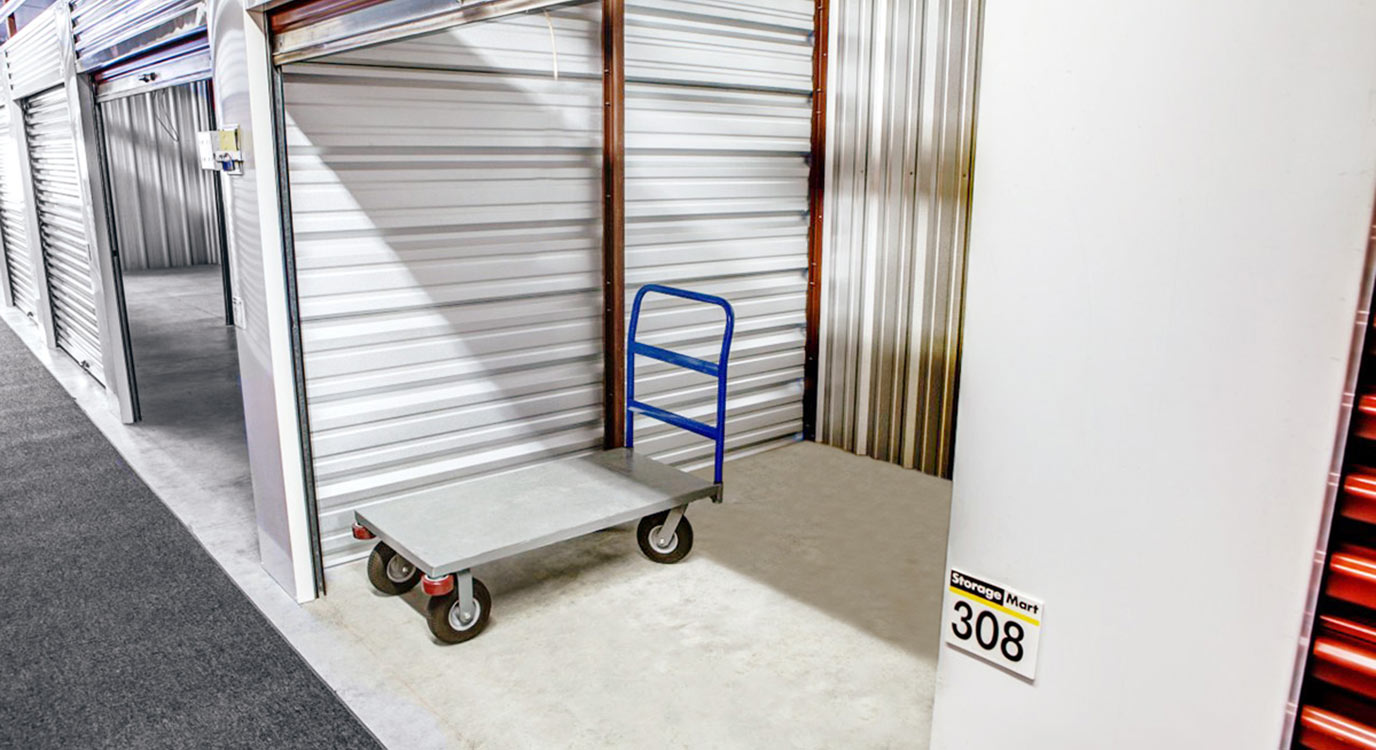 StorageMart - Almacenamiento Cerca De Eola Rd & New York En Aurora,Illinois