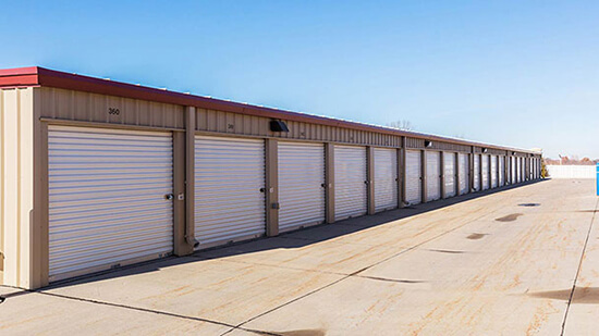 StorageMart Drive Up Unit- Self Storage Units Near 84Th & Hwy 370 In Papillion, NE