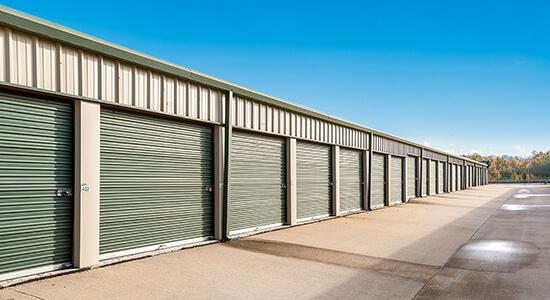 StorageMart drive up- Self Storage Units Near Fleur Dr & McKinley Ave In Des Moines, IA