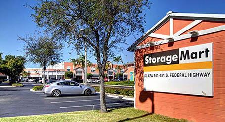 StorageMart en South Federal Highway en Pompano Beach Instalación de almacenamiento
