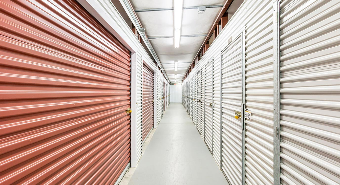 StorageMart - Self Storage Units Near Martin Luther King Jr Pkwy & Urbandale Ave In Des Moines, IA