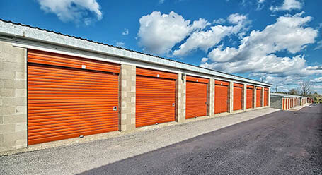 StorageMart on Commerce Park Dr in Innisfill Drive-Up Units