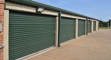 StorageMart on East Santa Fe Street in Gardner Self Storage Units