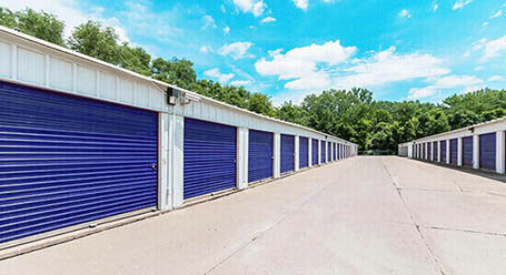 StorageMart on Farewell St in Oshawa Drive Up Units