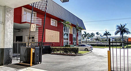 StorageMart on Griffin Road in Ft-Lauderdale Gated Access