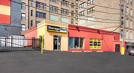 StorageMart on Halsted Street in Chicago Self Storage