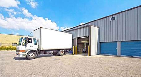 StorageMart on Kennedy Road in Scarborough Drive-Up Loading Bays