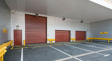 StorageMart on Knaves Beech Way in High Wycombe Loading Bay