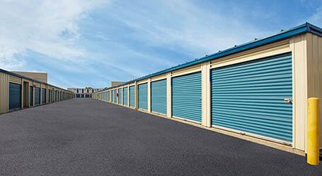 StorageMart on Queensway in Etobicoke Drive-Up Units