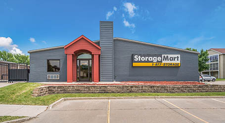 StorageMart on SE Delaware Ave in Ankeny Self Storage