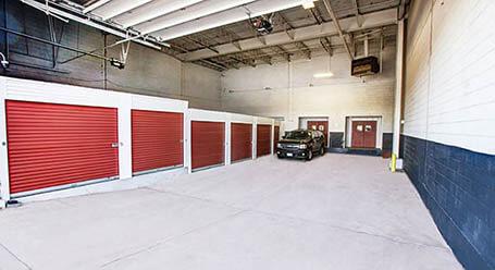 StorageMart on Shermer Road in Northbrook Drive-in Loading Bay