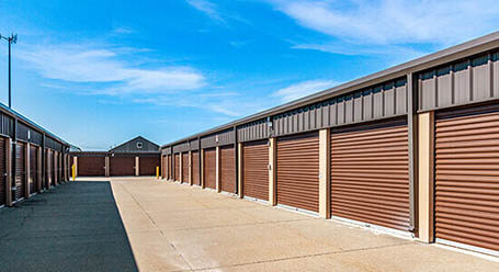 StorageMar on South 13th Street in West Des Moines Drive-Up Units