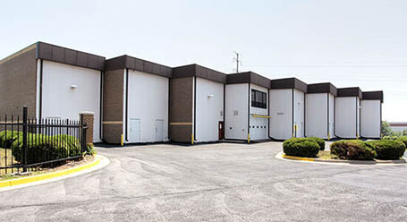 StorageMart on West 95th Street in Lenexa Loading Bay