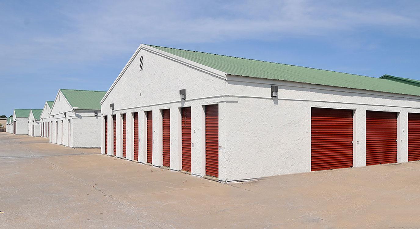 StorageMart - Almacenamiento Cerca De SE Hamblen Rd & SE Oldham Pkwy En Lee's Summit,Missouri
