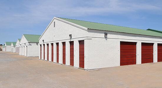 StorageMart Drive Up Units- Self Storage Units Near SE Hamblen Rd & SE Oldham Pkwy In Lee's Summit, MO