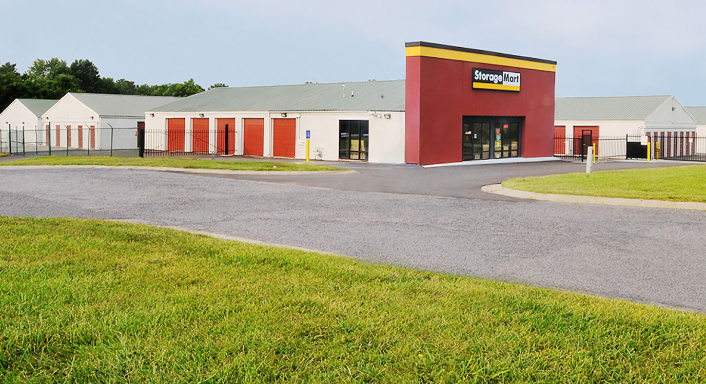 StorageMart - Self Storage Units Near Hwy 40 & SW 22nd St In Blue Springs, MO