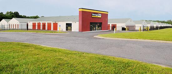 StorageMart - Self Storage Units Near Hwy 40 & SW 22nd St In Blue Springs, MO