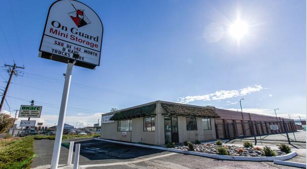 On Guard Mini Storage - Yakima