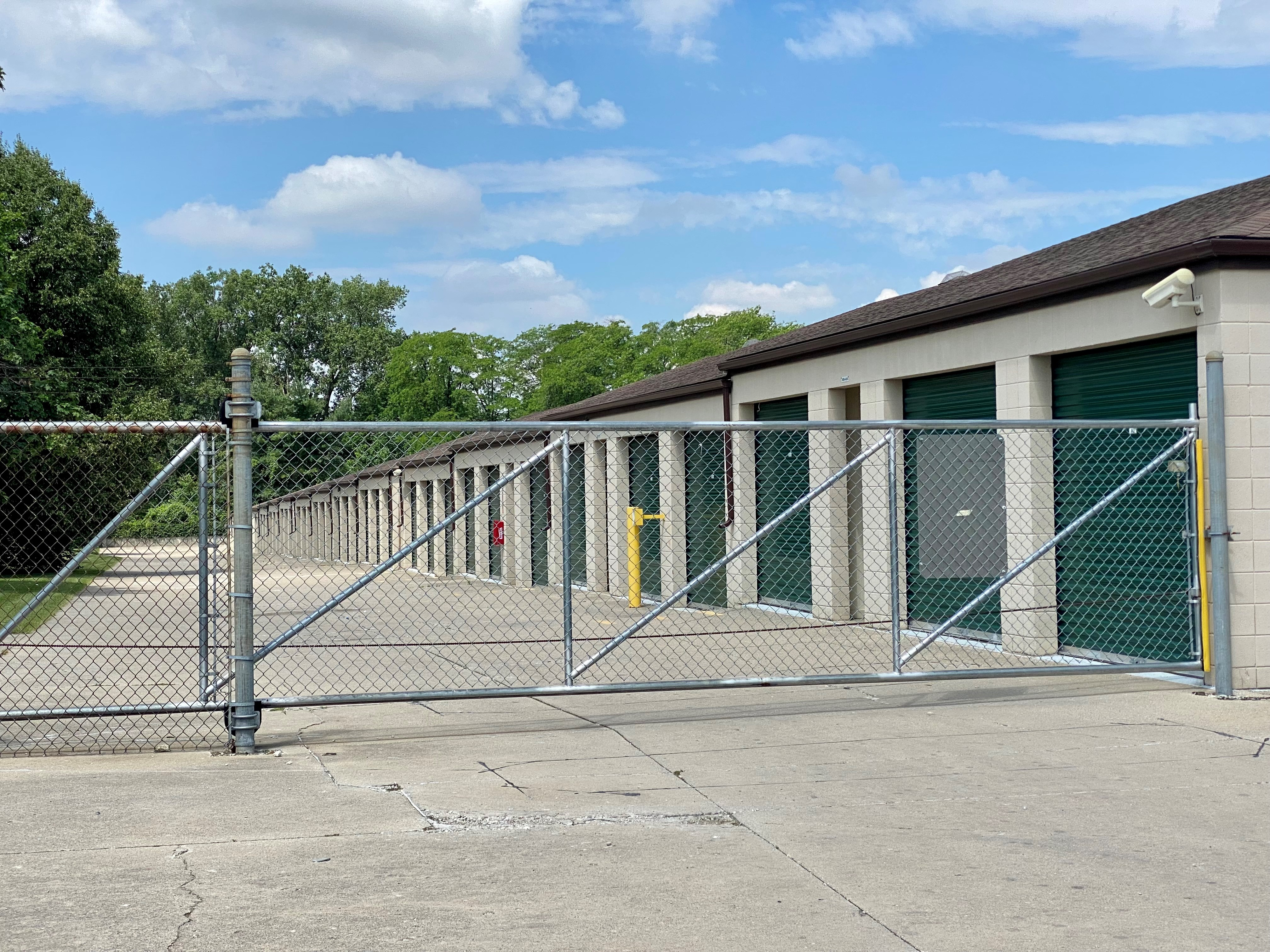 fenced, gated, and lighted mini storage fort wayne