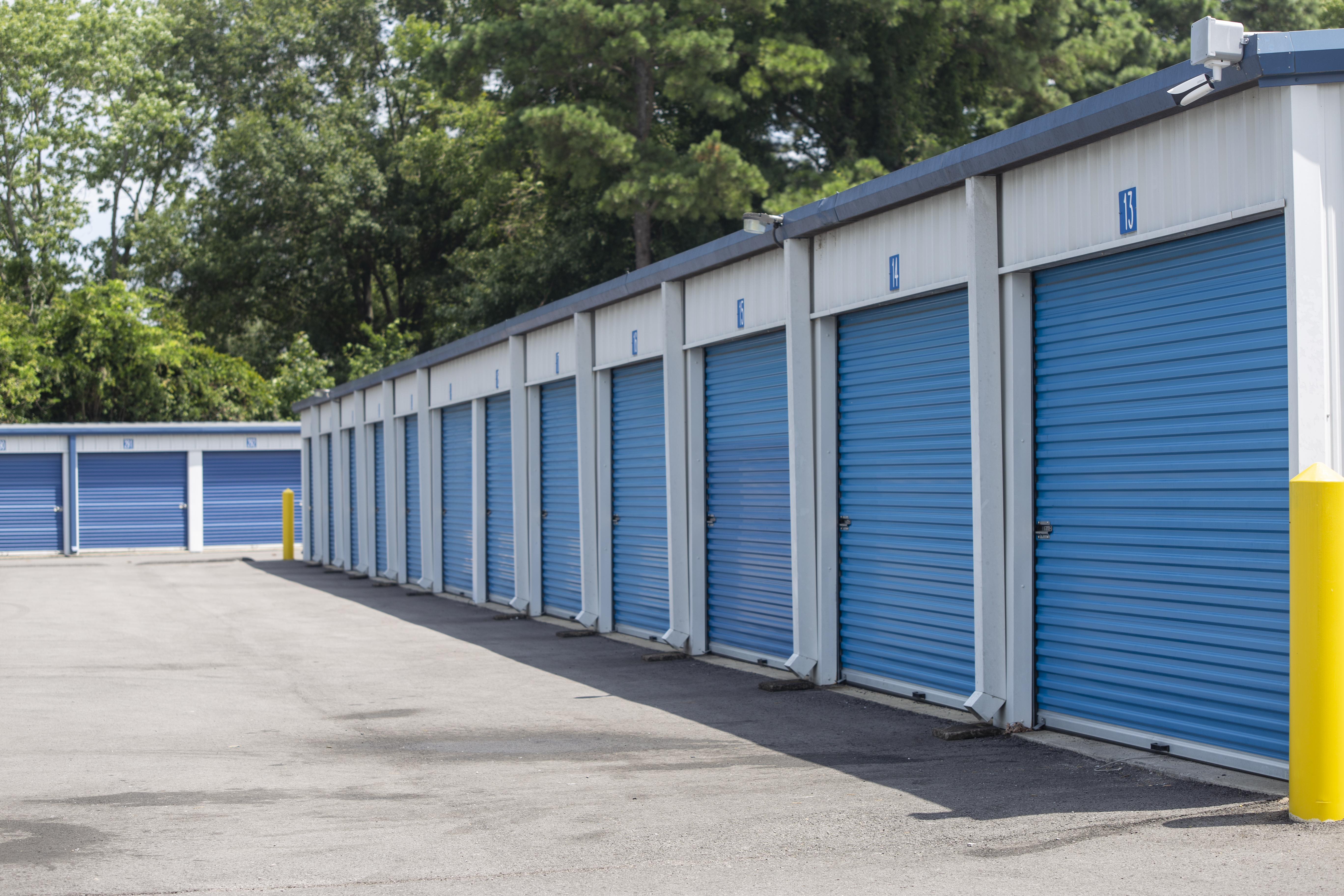 Wide drive ways to access your self storage unit