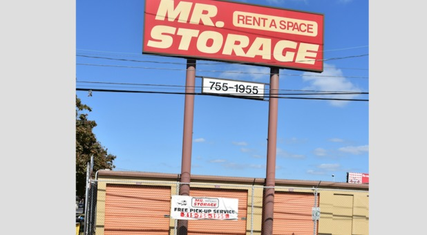 Mr Storage Front St