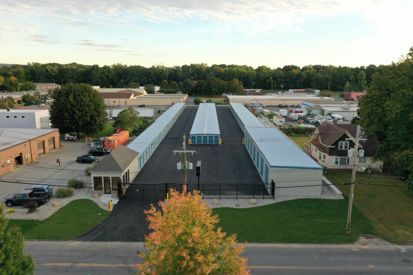 max storage units aerial
