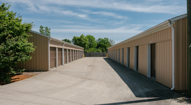 Drive up units in Elkhart, IN