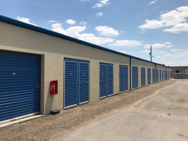 Watson & Taylor Self Storage - Brockbank