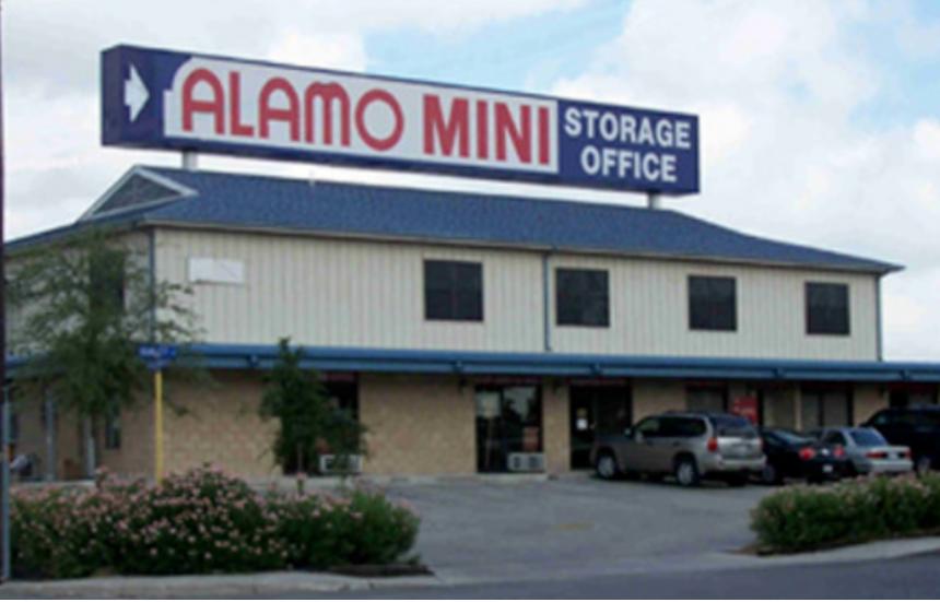 Alamo Mini -Storage Broadway