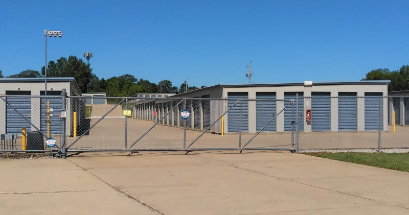 Fenced and Gated Storage in Waterloo, IA