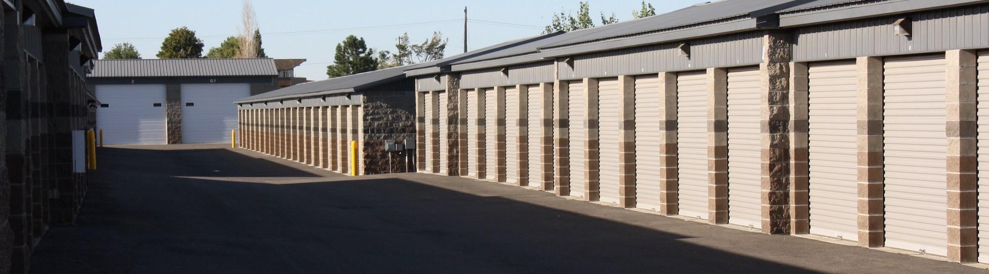 Rows of self storage units in Kennewick, WA