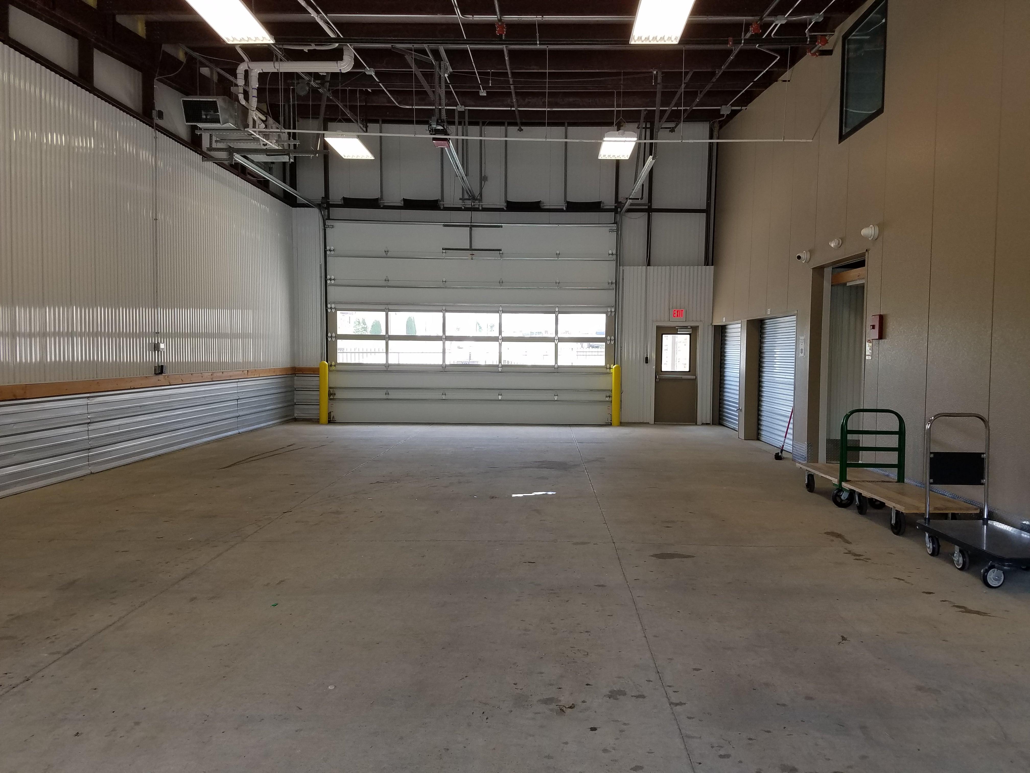 Large Indoor Loading & Unloading Area