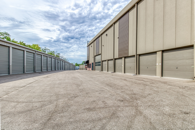 Drive Up Storage Units in Shawnee KS