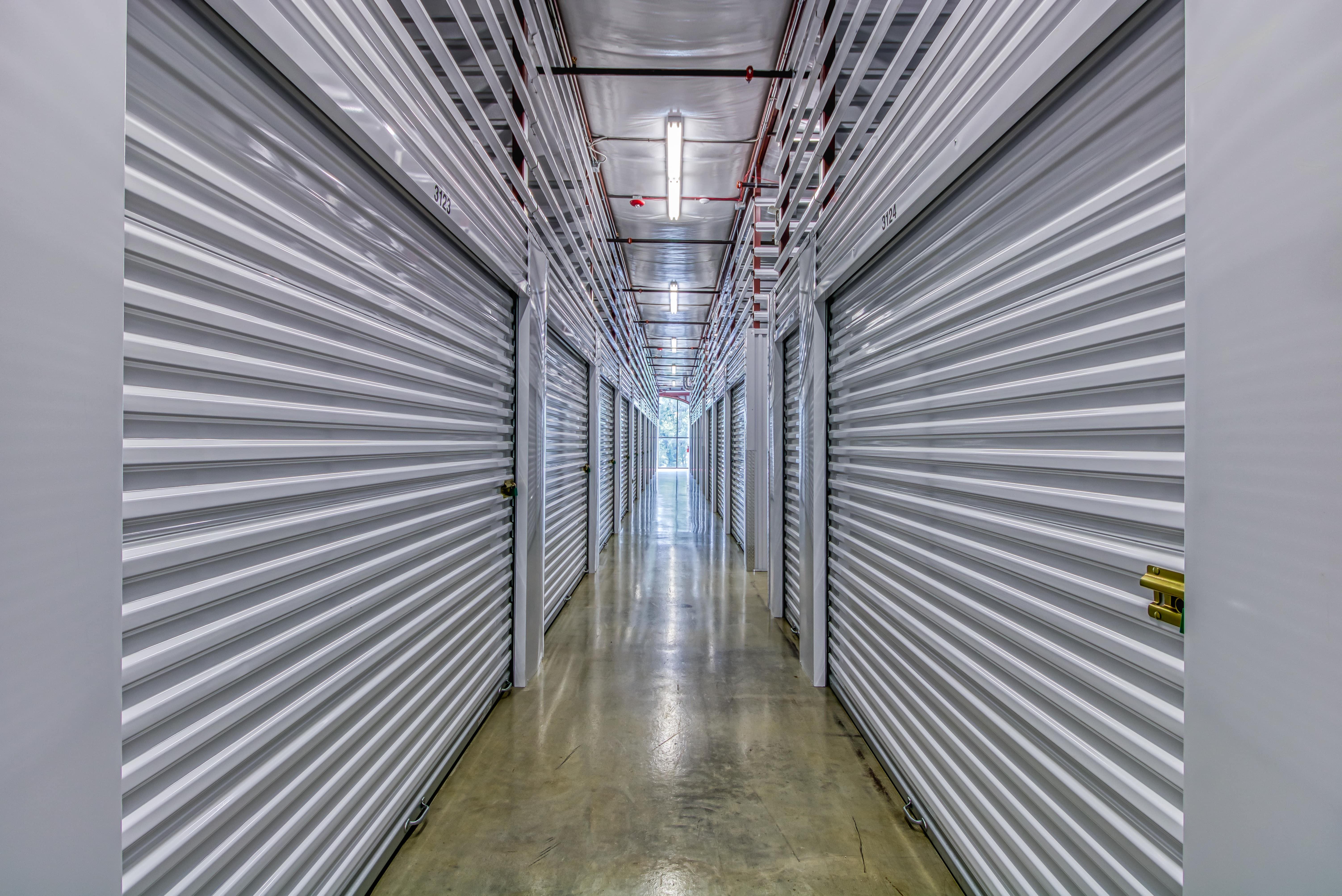 Large Storage Units in Shawnee KS