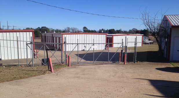 Gated self storage service in Lindale, TX