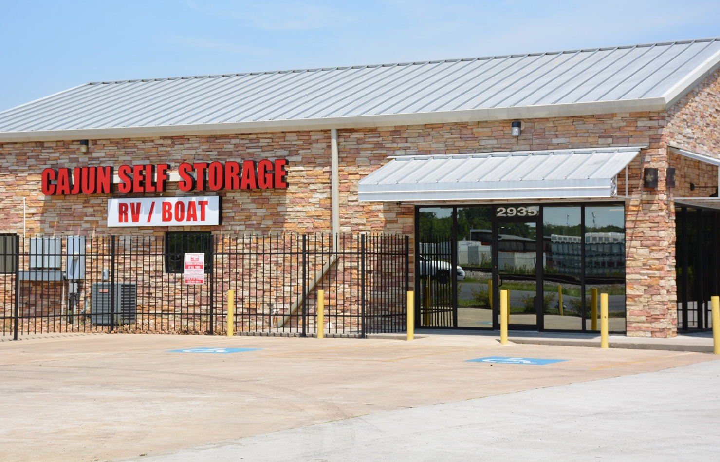 Cajun Self Storage Office Exterior