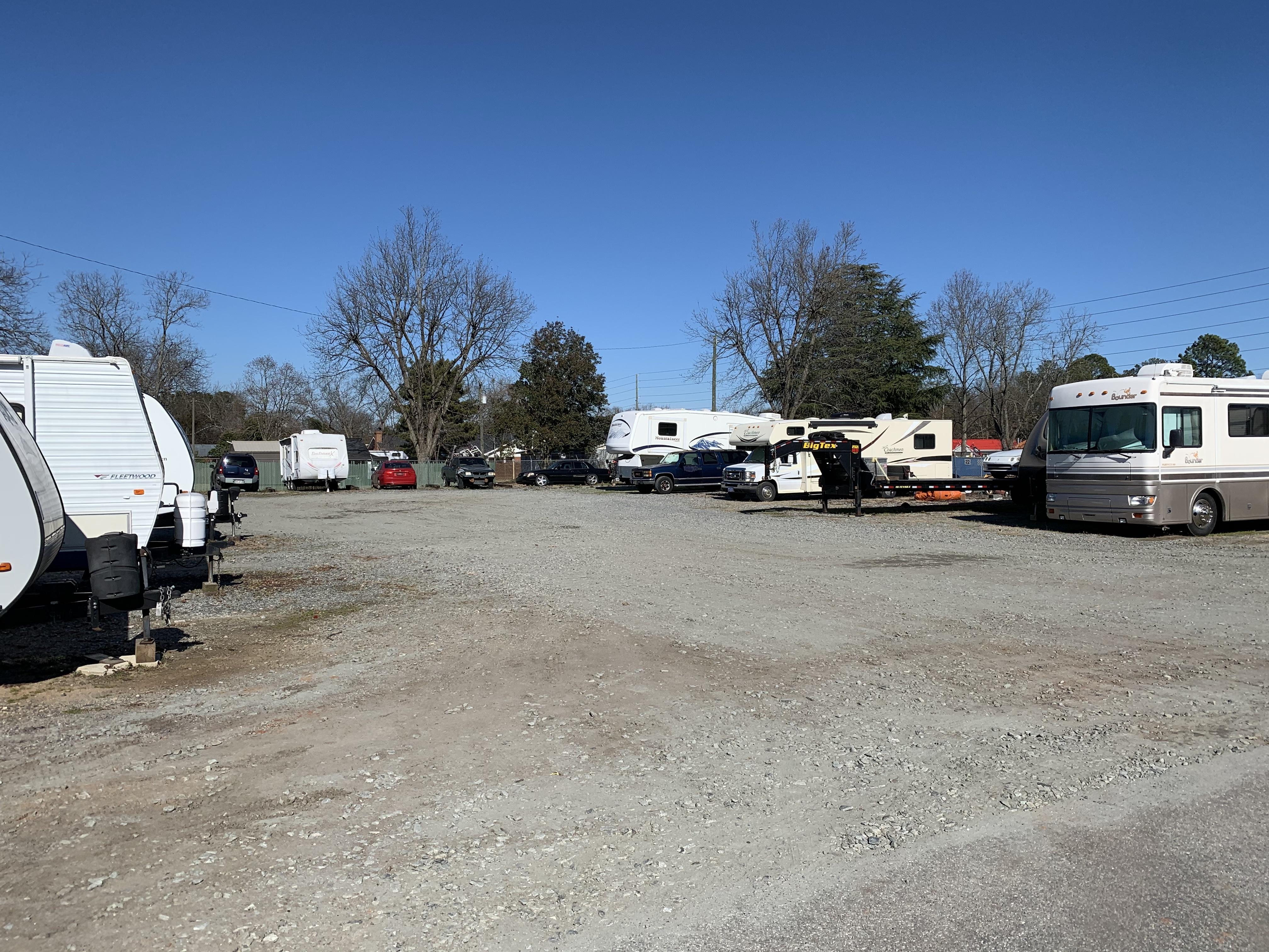 Parking spots in Centerville, GA