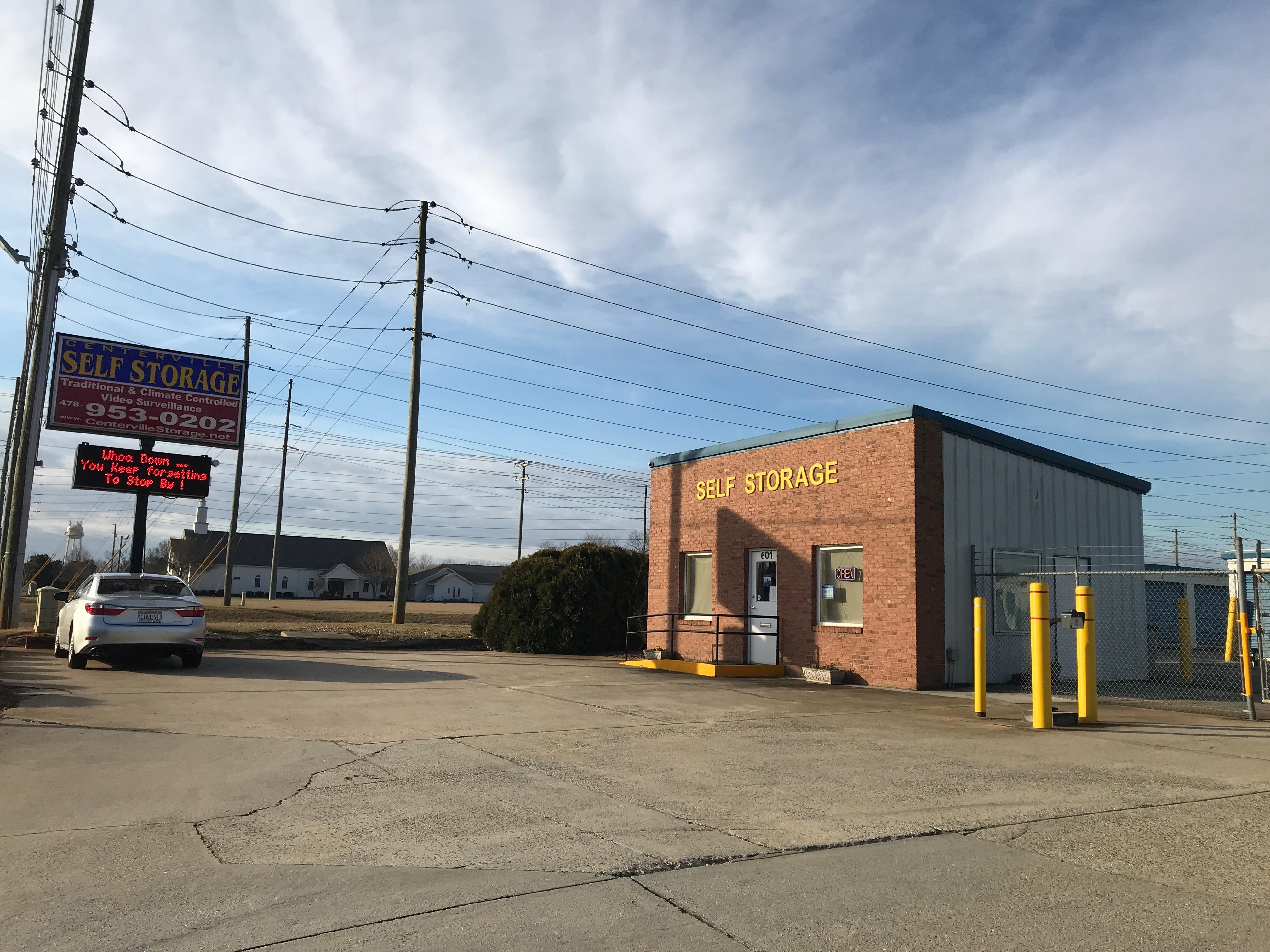 Storage units in Centerville, GA
