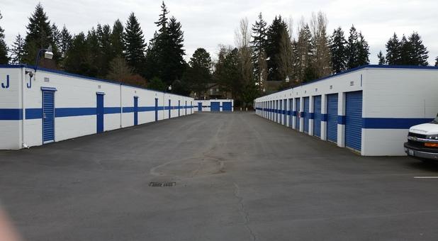 Storage Court of Shoreline units