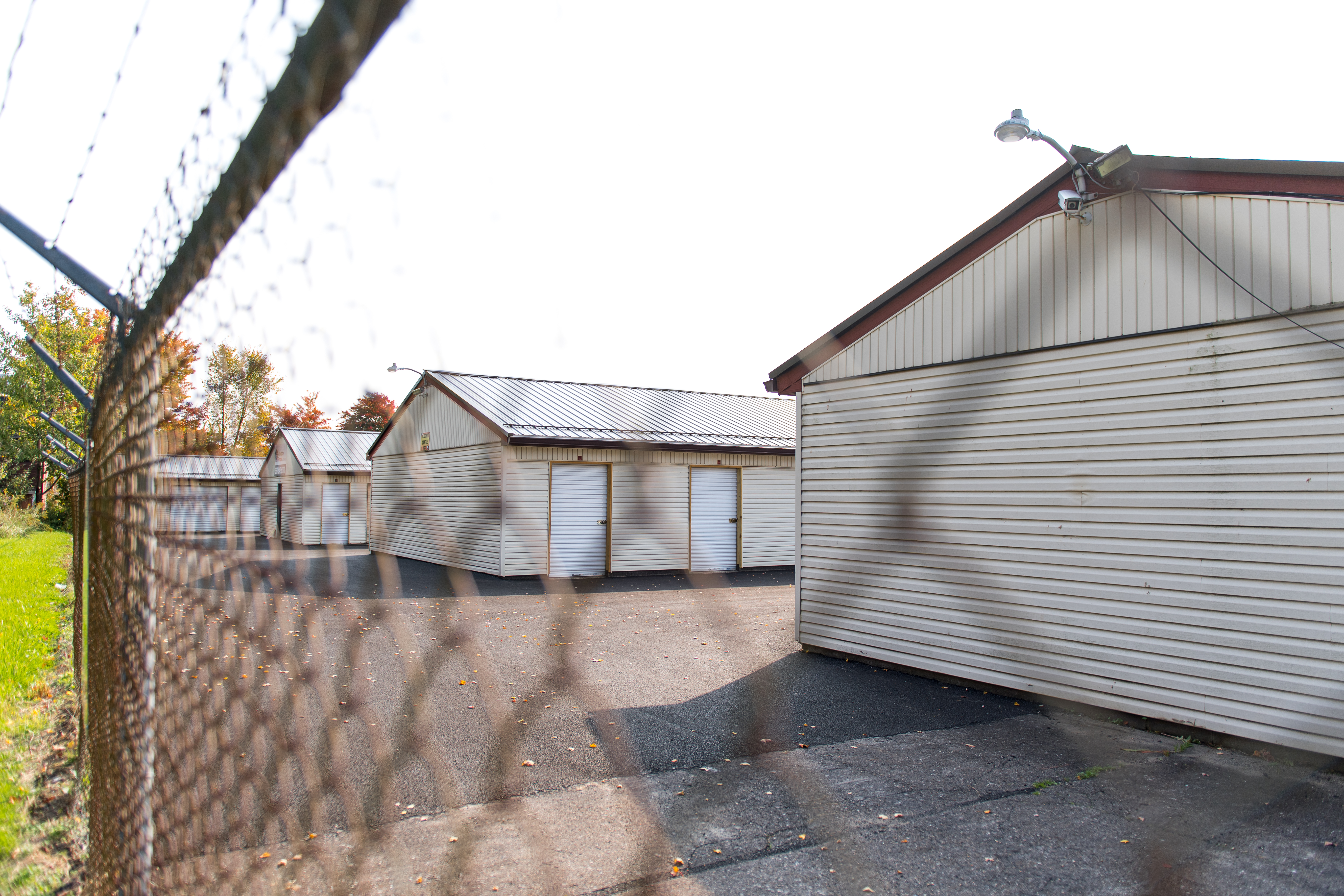 fenced and gated facility in warren oh