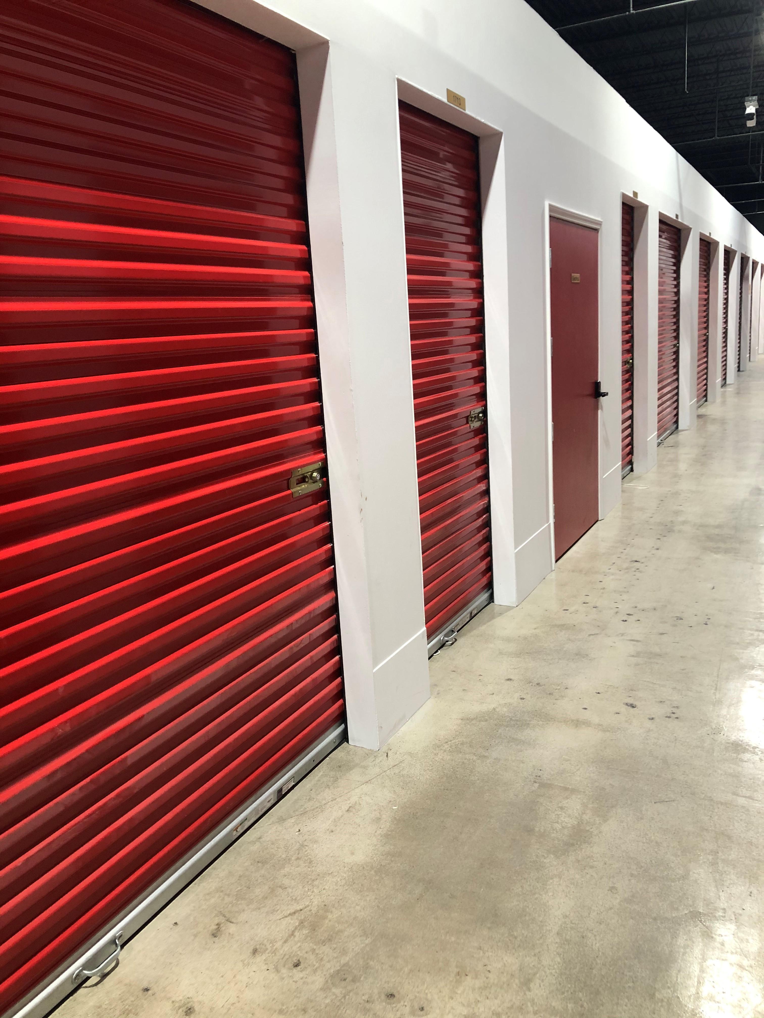 large unit sizes available Alcoa, TN