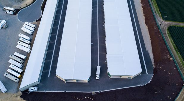 Aerial view, wide lanes and easy access
