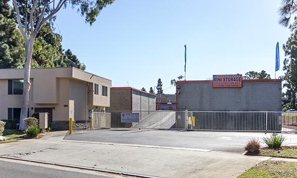 Self Storage in West La